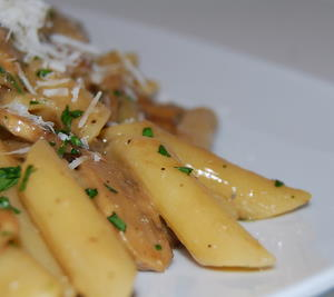 Penne with Blue Cheese and Mushrooms